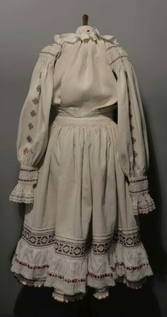 Vintage Dress Patterns, Vintage Dresses, Folk Costume, Costumes, Peasant Blouse, Victorian, Fashion, Vintage Gowns, Moda