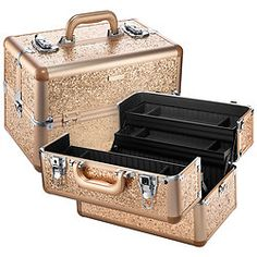 Shop SEPHORA COLLECTION's Sparkle & Shine Large Traincase at Sephora. This stylish train case features a limited-edition, champagne gold glitter fabric.