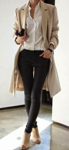 Con mis leggins blusa delgda y suelta adentro
