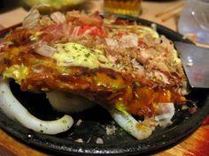 Aki, le roi de l'okonomiyakiomelette aux légumes, spécialité d'Osaka. Ouvert du lundi au samedi. Service continu de 11h30 à 22h45. Menu okonomiyaki à 12,50 € le midi, 13,50 € le soir.11 bis rue Sainte Anne, 75001 Paris 01.42.97.54.27