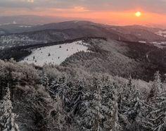 """Polubienia: 52, komentarze: 3 – Hasające Zające (@hasajacezajace) na Instagramie: """"#hasajacezajace  #nofiter #nofilterneeded  #mountains #gory  #sunset  #winter  #thewinteriscomming…"""""""