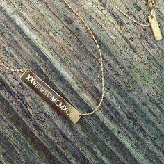 Roman Numerals  Sparkle Snake #minitials #minitialsmoments #sparklesnake #necklace #18k #solidgold #romannumerals