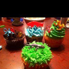 Cupcakes for Boys B-day - reptiles!