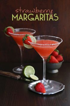 The best Low Carb Sugar-Free Strawberry Margaritas. Delicious cocktails with only 7 g net carbs, perfect for your Cinco celebrations! Low Carb Cocktails, Low Carb Appetizers, Low Carb Desserts, Baking Desserts, Best Low Carb Recipes, Keto Recipes, Party Recipes, Free Recipes, Drink Recipes