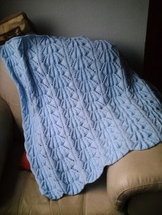 Heirloom Knit Baby Blanket…. This is a FREE pattern