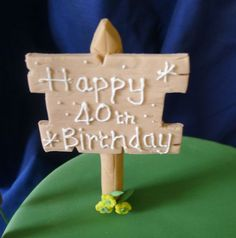 wooden sign made from sugar paste