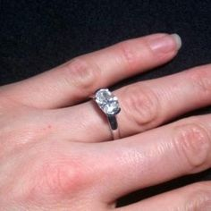 Oval Cut Diamond Engagement Ring 1.62 carat sku: OC101 @ www.diamondsandrings.co.uk