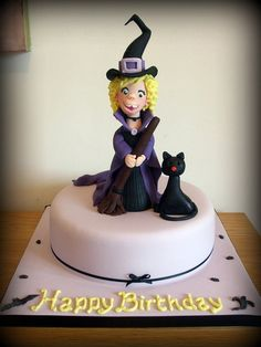 Friendly witch #Halloween #cake #topper