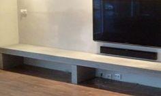 Betonnen of betonlook meubels: Wij maken uw wensen conrete. Van Betonlook badkamer tot TV meubel tot betonnen aanrechtblad, maar ook betonlook buiten tafels