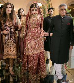 Asian Bridal Dresses, Pakistani Formal Dresses, Pakistani Wedding Outfits, Indian Bridal Outfits, Pakistani Bridal Dresses, Pakistani Wedding Dresses, Pakistani Dress Design, Indian Designer Outfits, Bridal Lehenga