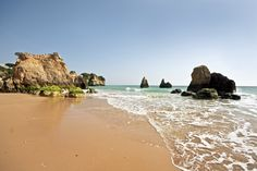 From seaside relaxation to rich history and unspoilt flora, we take a look at some of the most spectacular viewpoints of Alvor in the southern Algarve.