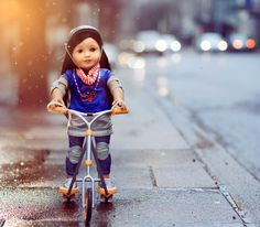 I loved Z's scooter set. She truly looks like a real girl riding down the streets in Seattle. I kinda wish I had put Popcorn in the shot, running along beside. Have any of you read Z's book yet? I am so, so excited to do so! I'll be picking it up today
