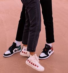 Best couple shoe game award goes to us Dr Shoes, Hype Shoes, Me Too Shoes, Shoes Sneakers, Mode Converse, Aesthetic Shoes, Aesthetic Style, Fresh Shoes, Mode Streetwear