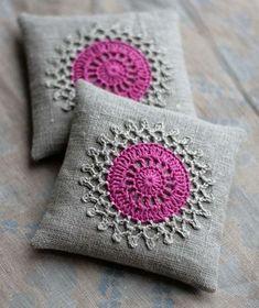 lavender sachet with crochet Crochet Cushions, Crochet Pillow, Crochet Motif, Crochet Doilies, Pin Cushions, Knit Crochet, Crochet Patterns, Lavender Bags, Lavender Sachets