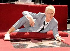 Ellen DeGeneres Receives Star On Hollywood Walk of Fame! : Photo Ellen DeGeneres suits up while being honored with a star on the Hollywood Walk of Fame on Tuesday (September in Los Angeles. The talk show host… Hollywood Walk Of Fame, Star Hollywood, The Comedian, Portia De Rossi, Ellen Degeneres Show, Minions Funny Images, Minions Quotes, Funny Minion, Funny Jokes