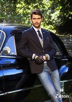 Zilton Dapper Gentleman, Dapper Men, Gentleman Style, Mens Casual Suits, Mens Suits, Black Leather Gloves, Leather Men, Sport Fashion, Mens Fashion
