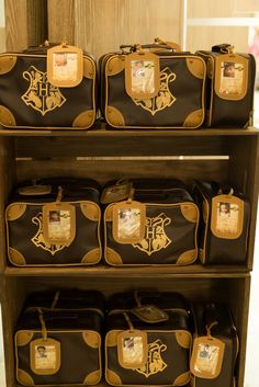 Hogwarts Luggage + F