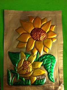 Girasoles Tin Foil Art, Aluminum Foil Art, Aluminum Crafts, Sculpture Projects, Art Projects, Emboss Painting, Indian Traditional Paintings, Tin Can Art, Pewter Art