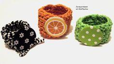 Jersey-Armreif -Armband Neon mit Button - Auswahl- von Kreawusel-Schmuck  auf DaWanda.com