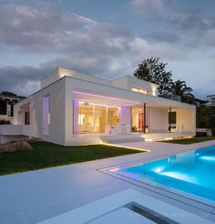 Bright, White and Modern Home on the Mediterranean - http://freshome.com/bright-white-modern-home-mediterranean/
