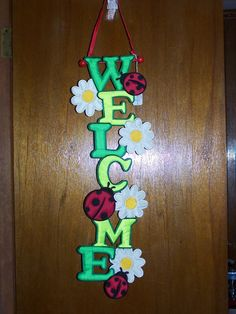 Ladybug Fabric Welcome Banner (SKU Length: Featuring bright daisies & ladybugs, this Welcome banner is a pleasant greeting to any visitors. Makes a great gift! School Board Decoration, School Door Decorations, Class Decoration, Diy And Crafts, Crafts For Kids, Paper Crafts, Arts And Crafts, Kindergarten Classroom Decor, Art Classroom
