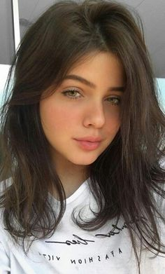 """Isa Longwell was born February 27, 2001 in Brazil and is 5' 6"""" She is an Instagram Blogger and very Popular Internet Sensation Cute Young Girl, Cute Girls, Cool Girl, Beautiful Eyes, Gorgeous Women, Actrices Sexy, Tumblr Girls, Aesthetic Girl, Pretty Face"""