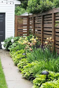 Do You Want Stunning Fence Design Ideas In Your Front Yard? If you need inspiration for the stunning front yard fence design ideas. Our team recommends some amazing designs that might be inspire you. We hope our articles can help you. enjoy it.