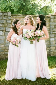 Peach and pink 4th of July wedding. Captured By: Jenna Henderson Photography #weddingchicks http://www.weddingchicks.com/2014/09/10/peach-and-pink-4th-of-july-wedding/
