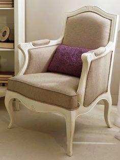 Sillón PARÍS de Bambó Blau. De madera de roble acabado blanco. Estilo clásico francés Louis XV. Para salón, despacho o dormitorio.