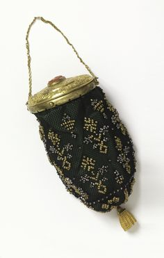 7872cb95bf7 Beaded and crocheted coin purse with gold lid, French c1810-1825. Cooper  Hewitt