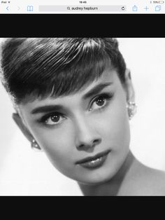 I got: Audrey Hepburn! Which Classic Hollywood Actress Are You? Maquillaje Audrey Hepburn, Audrey Hepburn Arte, Audrey Hepburn Pixie, Audrey Hepburn Drawing, Audrey Hepburn Wallpaper, Audrey Hepburn Costume, Audrey Hepburn Roman Holiday, Audrey Hepburn Breakfast At Tiffanys, Wrist Tattoos