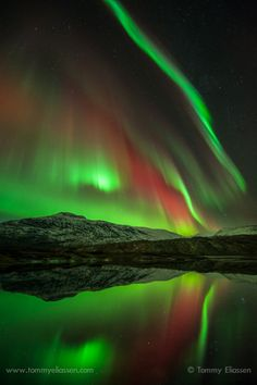 ~~Høgtuva ~ aurora borealis, Norway by Tommy Eliassen~~ Northen Lights, Ciel Nocturne, Natural Phenomena, Beautiful Sky, Natural Wonders, Belle Photo, Night Skies, Nature Photography, Scenic Photography