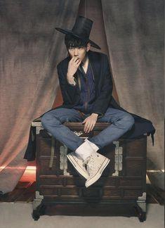 한복 Hanbok : Korean tradition al clothes[dress] Korean Fashion Trends, Korea Fashion, Asian Fashion, Trendy Fashion, Fashion Art, Mens Fashion, Trendy Style, Fashion Clothes, Korean Traditional Clothes