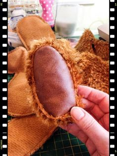 Traditional teddy bear - working with recycled leather for the paws #teddy…