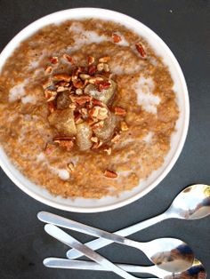 Gingerbread Steel-Cut Oatmeal For Xmas Morning