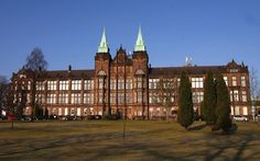April The BBC uses a rather nice photograph of the David Stow building to illustrate a story involving Strathclyde University. Just a shame they're almost two years out of date. University Of Strathclyde, Green Technology, Glasgow, Places Ive Been, Scotland, House Styles, Flourish, Assessment, Bbc