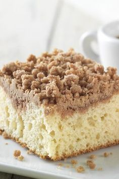 This soft, vanilla-scented cake is topped with crunchy cinnamon streusel. Gluten Free Cinnamon-Streusel Coffeecake made with baking mix - Gluten Free Cinnamon-Streusel Coffeecake made with baking mix Recipe Gluten Free Deserts, Gluten Free Sweets, Gluten Free Cakes, Gluten Free Chocolate, Gluten Free Baking, Dairy Free Recipes, Gf Recipes, Dessert Recipes, Cake Recipes