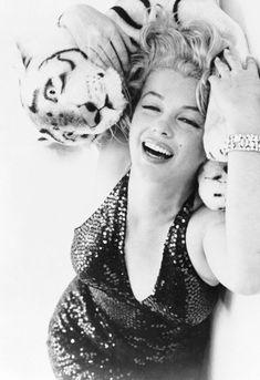 Marilyn Monroe, 1957. Photo taken by Richard Avedon