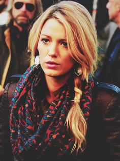 blake lively, looove her and her hair looks cute!