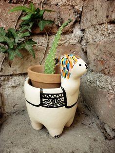 Dear lord send me this plant pot Alpacas, Potted Plants, Indoor Plants, Nature Plants, Cactus Y Suculentas, Ceramic Pottery, Garden Inspiration, House Plants, Flower Pots