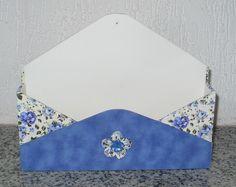 Porta carta de parede em mdf restido com tecido e acabamento interno em e.v.a. www.nikiatelier.elo7.com.br