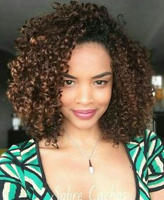 Afro hair is typically associated with natural curls that have a thick, frizzy texture. Such a distinctive type of hair might seem hard to manage, but this has not stopped African beauties from spo… Love Hair, Big Hair, Gorgeous Hair, Pretty Hair, 3c Curly Hair, Kinky Curly Wigs, Cheveux 3b, Natural Hair Styles, Short Hair Styles