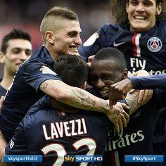 Il Paris Saint-Germain in vetta alla Ligue 1 grazie a Lavezzi (tripletta) e Cavani (doppietta)