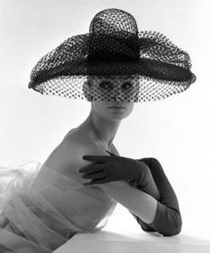 Jean Shrimpton photographed by John French in London, 1963. Hat: Madame Paulette.