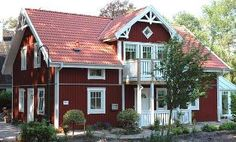 Traumhaus Swedish Cottage, Red Cottage, Swedish House, Cottage Homes, Red Houses, Craftsman Exterior, House Siding, Wooden House, Scandinavian Home