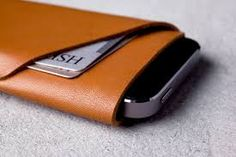 Cleverly cut out of one single piece of leather, the Mujjo iPhone 5 Wallet creates a slim and secure space for your iPhone and cards in just one stitch. Iphone Wallet, Iphone Se, Best Slim Wallet, Leather Men, Leather Wallet, Vegetable Tanned Leather, Leather Craft, Handmade Leather, Sunglasses Case