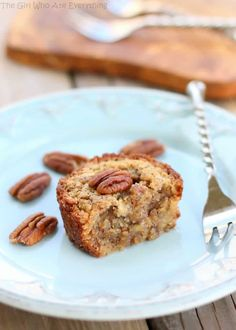 These Pecan Pie Muffins are a mix between a pie and a muffin. They have a muffin texture with a soft gooey inside like a mini Southern pecan pie. This Pecan Pie Muffins recipe is Best Pecan Pie Recipe, Pecan Recipes, Pie Recipes, Baking Recipes, Recipies, Fall Recipes, Turkey Recipes, Cheesecake Recipes, Pecan Pie Muffins