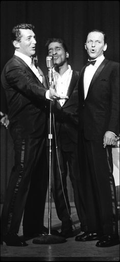 The Rat Pack: Frank Sinatra, Sammy Davis Jr and Dean Martin Golden Age Of Hollywood, Hollywood Stars, Classic Hollywood, Old Hollywood, Dean Martin, The Rat Pack, Joey Bishop, Sammy Davis Jr, Franck Sinatra