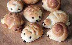 Hedgehog, turtle, and snail rolls Animal Shaped Foods, Cute Food, Good Food, Japanese Bread, Bento Recipes, Bread Recipes, Bread Shaping, Bread Art, Edible Food