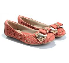 Sapatilha Couro Strass Coral Toda Comfort (Ref: 7124) http://www.sapatilhashop.com.br/sapatilha-toda-comfort-2.html